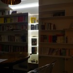 libreria abete laccato e luci led arredamento