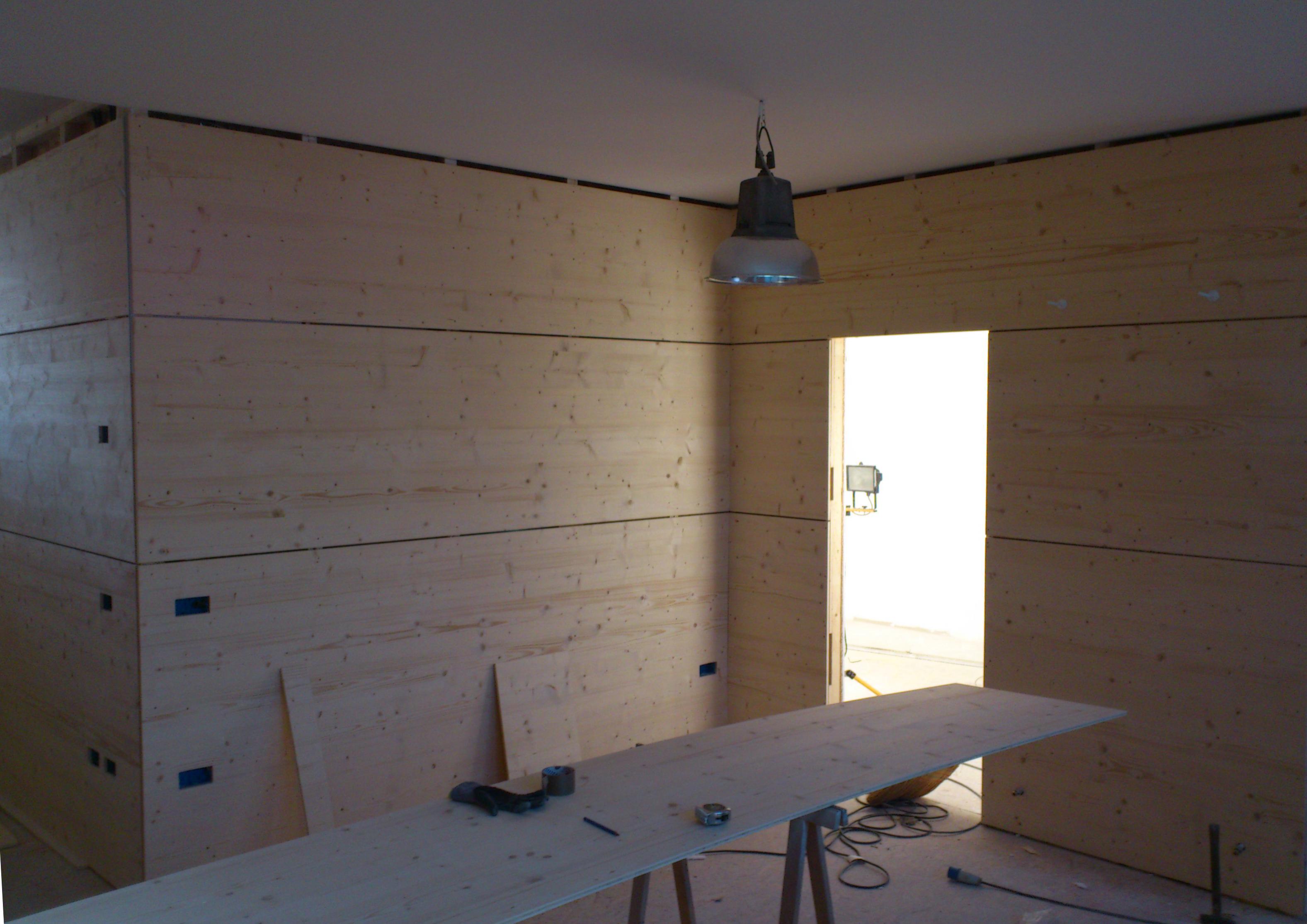Parete in legno elegant parete legno verniciato marrone texture o sfondo foto di madredus with - Parete interna in legno ...